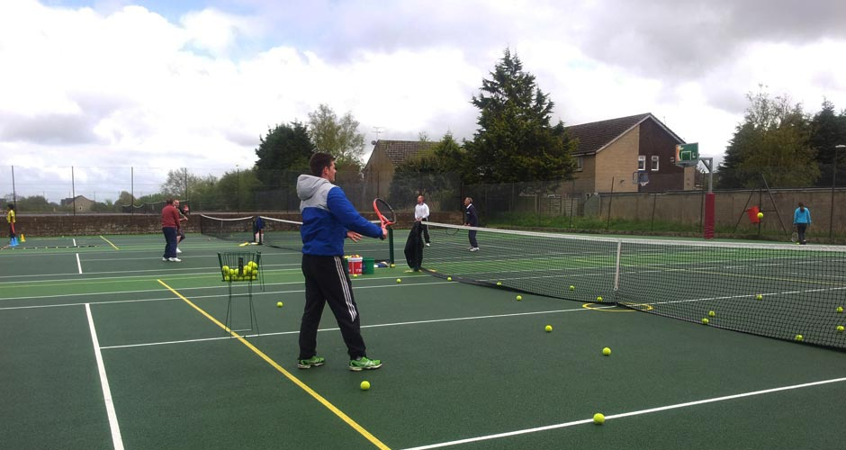 Coaching and club players at Tetbury tennis club